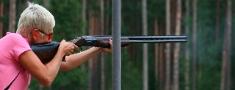 Latvijas sportistēm lieliski sasniegumi medību šaušanā